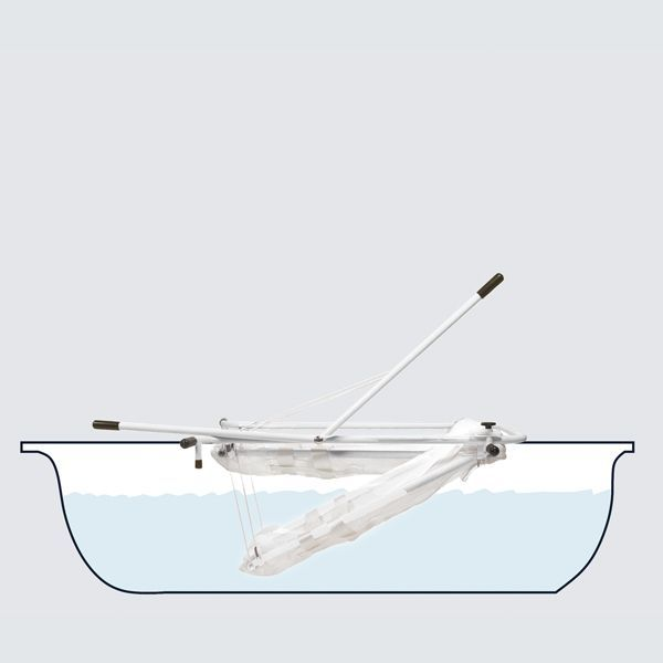 By moving the lift arm the bathing support can be safely lowered into the bath.